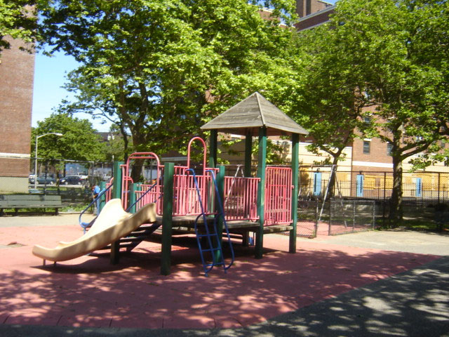 Arverne Playground (Queens, NY)