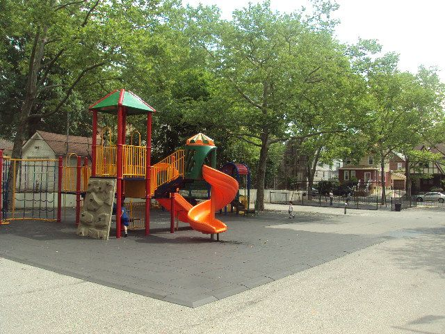 Auburndale Playground (Queens, NY)