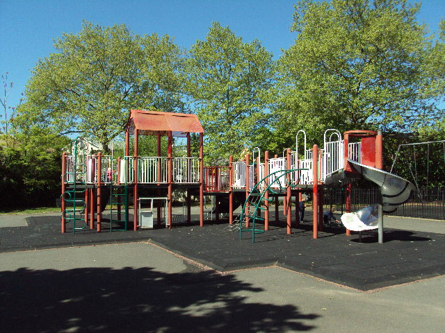 Naples Playground (Staten Island)