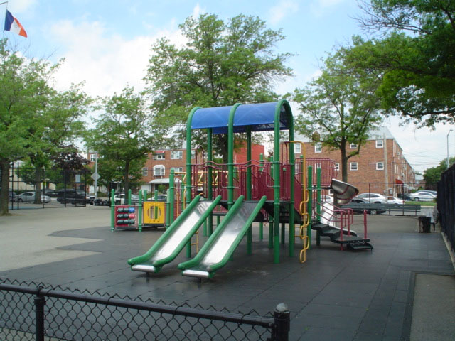 Tall Oak Playground (Queens, NY)