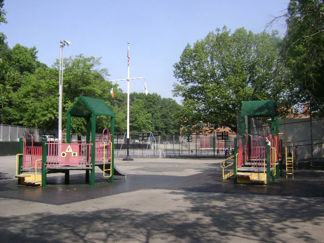 Seven Gables Playground (Queens, NY)