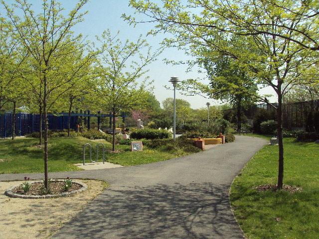 places_bronx_parks_hunts_point_riverside_park2