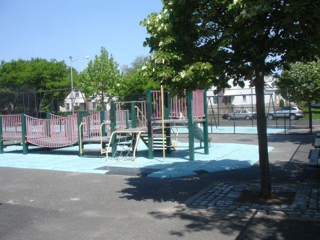 Bellerose-Playground