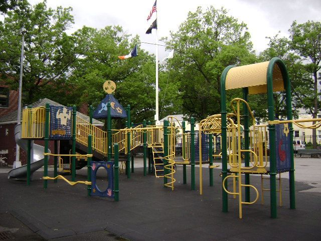 Castlewood Playground (Queens, NY)