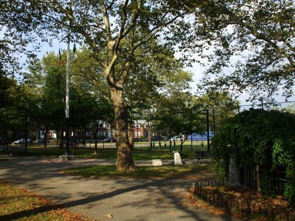 Glen Oaks Oval (Queens, NY)