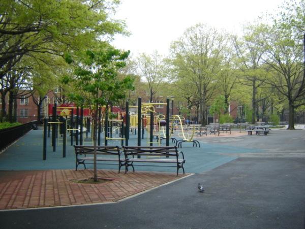 Pomonok Playground (Queens, NY)